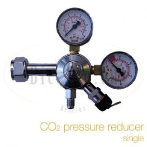 CO2 pressure reducer single